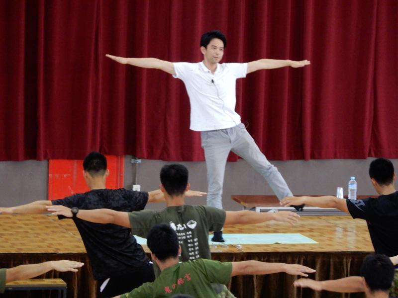 長谷川洋介先生のコラム「陸上自衛隊」を掲載しました
